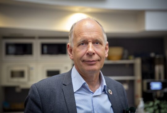 Porträttbild på Lars Rehnberg.